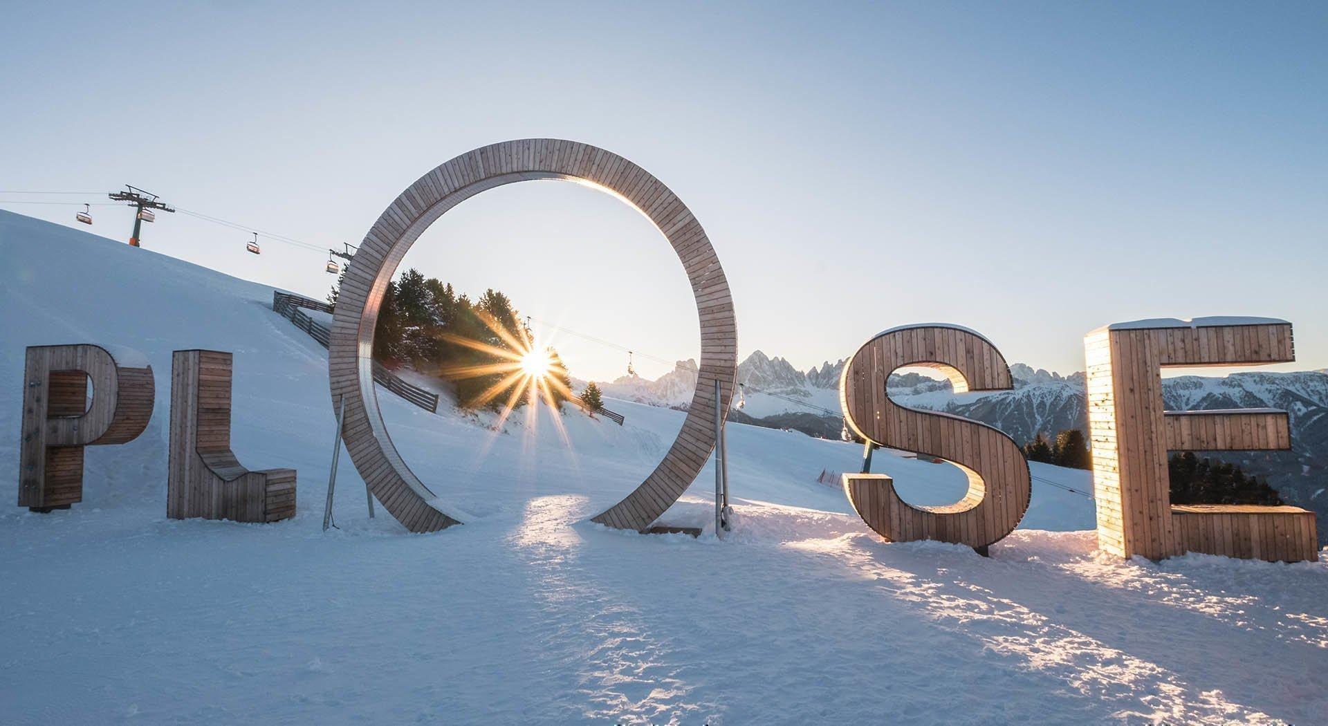 Skifahren, roSkifahren, rodeln und winterwandern in den Dolomiten deln und winterwandern in den Dolomiten